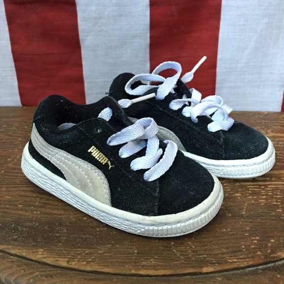 online retailer 2356c a72b5 Puma Suede Classic Toddler 6.5 Sneakers