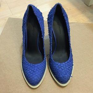 Alexander Wang blue fish skin heels Sz 37.5 GUC