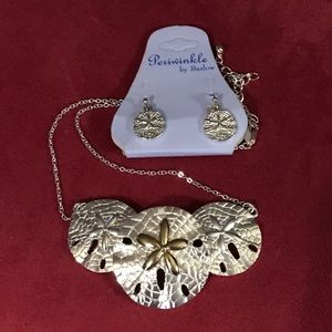 Jewelry - Sand dollar necklace set.