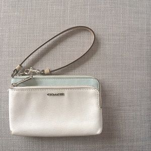 COACH | White and Mint Wristlet