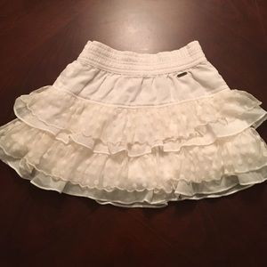 Abercrombie & Fitch Other - Abercrombie Kids cream ruffle skirt. EUC Size M