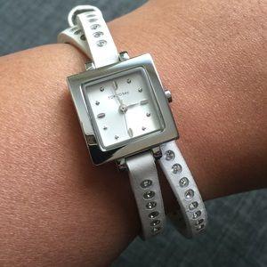 🎉HP🎉 TOKYOBAY White Rhinestone Wrap Watch