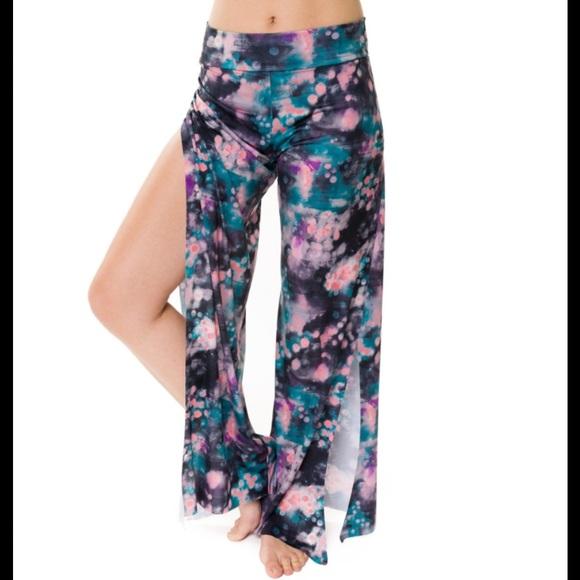 8880be14ea Onzie Pura Vida Yoga Pants. M_5787d4189c6fcfeb73007222