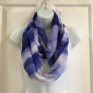 Accessories - 🍍CLEARANCE🍍 Blue Ombré Infinity Scarf