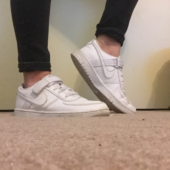 Nike Shoes | All White Old School Nike