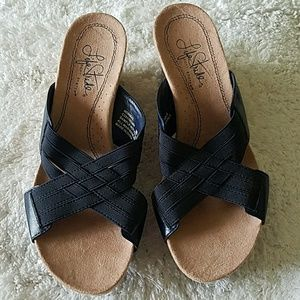 Life Stride Shoes - Life Stride wedge sandals, very comfy