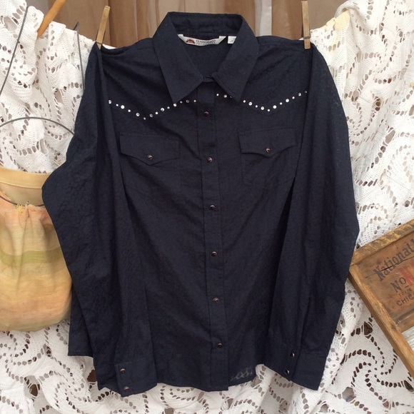 6fb143bca Cumberland Outfitters Tops - Cumberland Outfitters western shirt  w/rhinestones