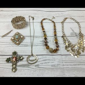 Jewelry - Lot of 8 Fashion Accessories