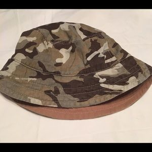 Other - Childs reversible bucket hat brown camo/ brown