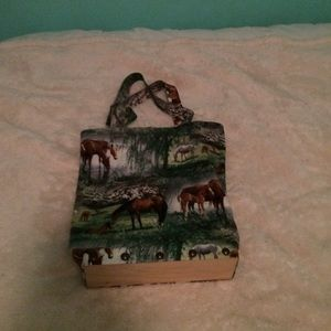 Small horse decorated tote