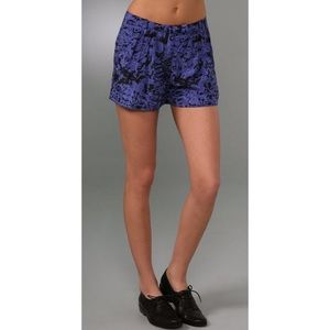 Twenty8Twelve Pants - Twenty8Twelve blue printed shorts Sz 6 GUC