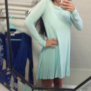 Dresses & Skirts - light blue long sleeve dress