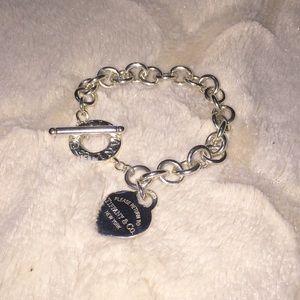 ❗️SOLD❗️Tiffany & Co RTT Heart Bracelet