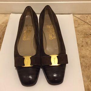 Ferragamo low heel shoes