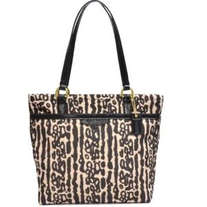 Coach Handbags - ✂️Coach Nylon Leopard Print F31901✂️