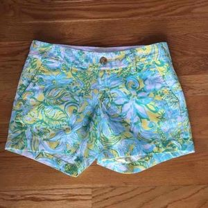 Lilly Pulitzer Pants - ❗️SALE❗️$64 Lilly Pulitzer shorts sz 00