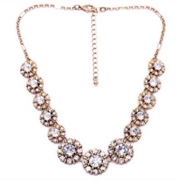 Jewelry - ❤️LAST❤️ Chic Crystal Boucle Statement Necklace