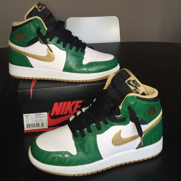 half off 5b027 f5252 ... Jordan Shoes - AIR JORDAN 1 RETRO HIGH OG. Celtics clover green ...