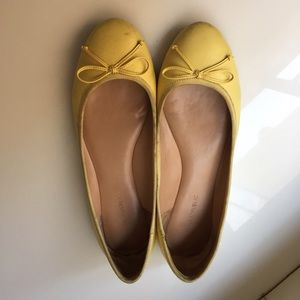 BR Ashley pale yellow flats 9.5