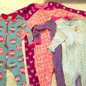 Other - Bundle of 5 2t pajamas
