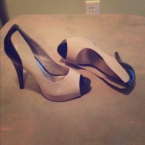 Jessica Simpson Shoes - Jessica Simpson nude and black heels