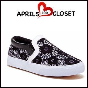 Boutique Shoes - ❗️1-HOUR SALE❗️STYLISH SNEAKERS LACE Slip Ons