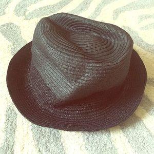 Gap black hat