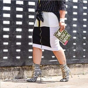 Shoes - B&W Tribal Print Booties