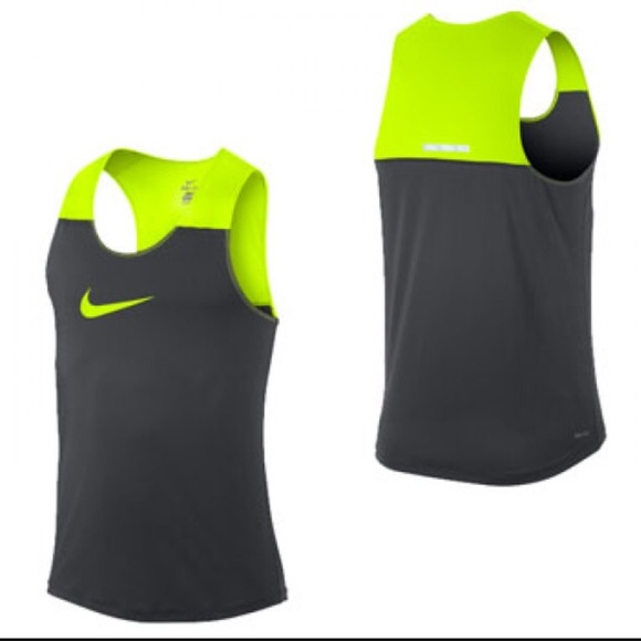 007a0de24d6016 Nike men s running Dri fit tank top size medium