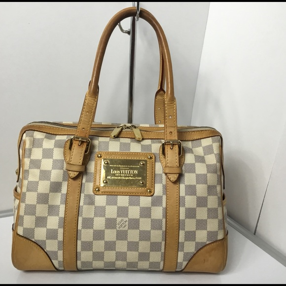 e17bda469d4d Louis Vuitton Handbags - 100% Authentic Louis Vuitton Damier Azur Berkeley