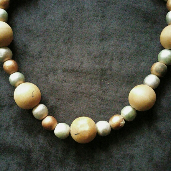 Jewelry - Vintage Wooden Bead Necklace