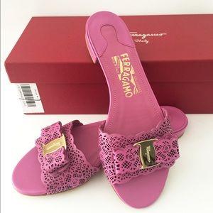 Salvatore Ferragamo Shoes - 🎉HP🎉NIB Auth Salvatore Ferragamo leather shoes