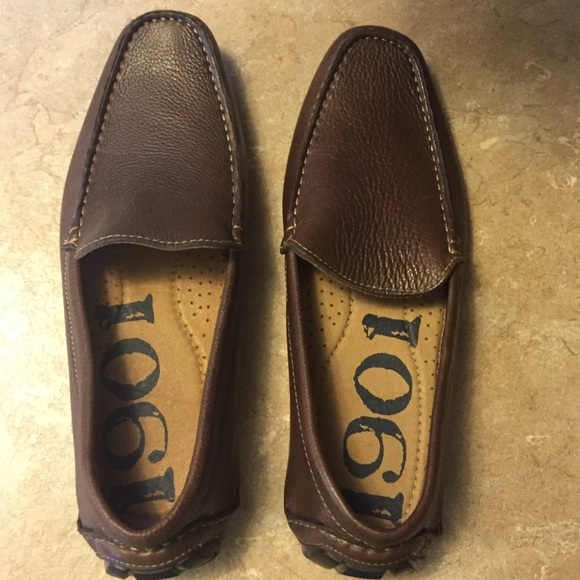 a4bc912aac3 1901 Other - Brand new 1901 loafers men s