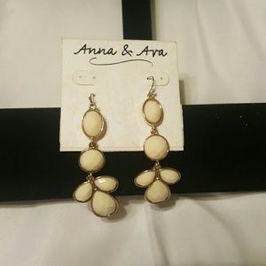 Anna & Ava Jewelry - Anna & Ava