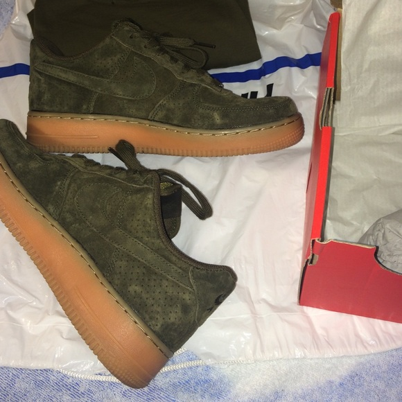 NWB Nike Air Force one olive green suede. M 5789cb84981829e4d700fd11 c9d5d085b