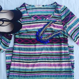 Tops - 🎉5for $25🎉 Bright and beautiful Tunic top