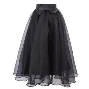 Boutique Dresses & Skirts - Black Tulle Organza Bow Stretch Midi Skirt