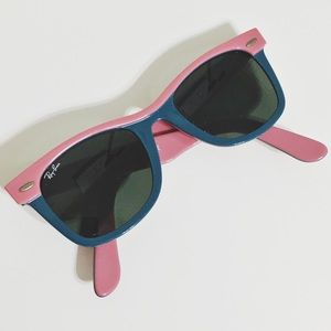 Ray-Ban Accessories - LE Ray-Ban Wayfarer Pink and Blue Sunglasses