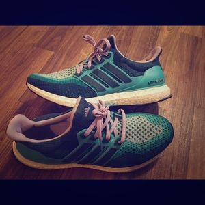 Adidas Ultra Boost Womens 10,5
