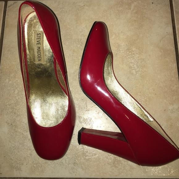 c2efe3346f4 Steve Madden Red Patent Leather Block Heels US 8.5.  M 578a73f72599fe26f70072e2