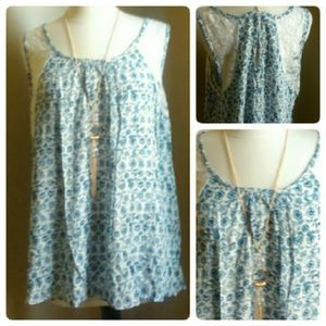 Tops - Plus size Floral and Lace tank