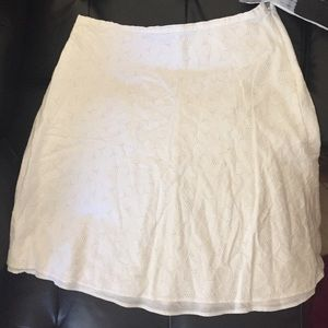 Hillard and hanson Dresses & Skirts - Beautiful knee Length  skirt