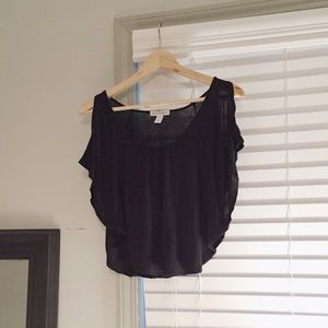 Tops - Black Cutout Shoulder Batwing Crop Top