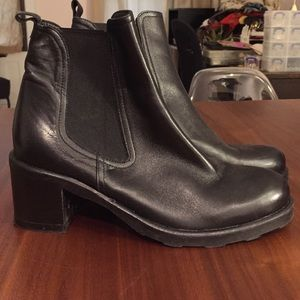 Giove Shoes - Italian leather classic Chelsea boots