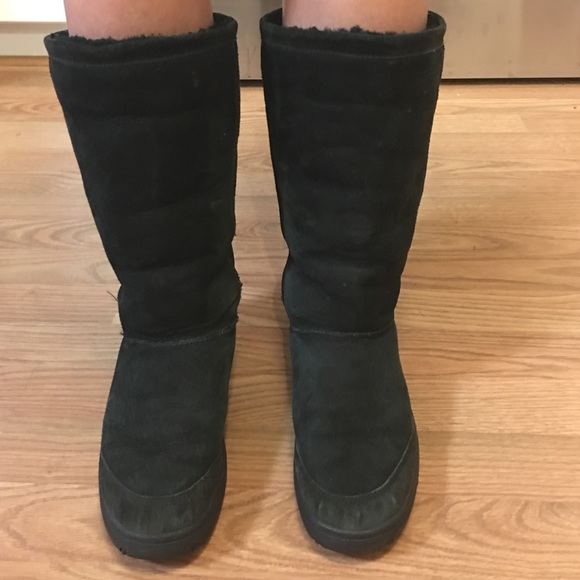 ugg boots size 10 black