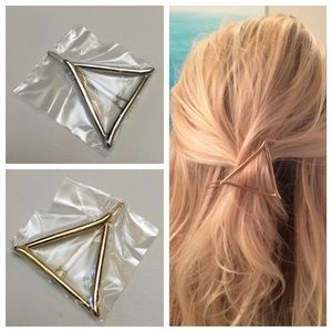 Accessories - Triangle Hair Clip