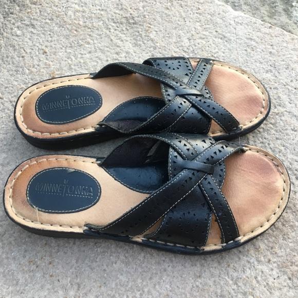 3c9acf852 Minnetonka sandals in size 8. M 578adf056a5830deb5027c8e