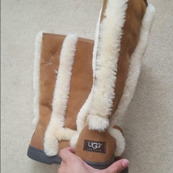 a5db1f23bb6 🎉REDUCED🎉 UGG Australia Chestnut Katia Boot