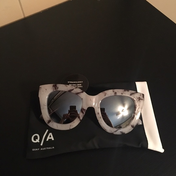 9710c78c3fc 🚫HOLD🚫 BNWT Quay Sugar   Spice Marble Sunglasses