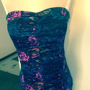 Boutique 9 Dresses & Skirts - 💥close out💥 strapless mermaid dress small